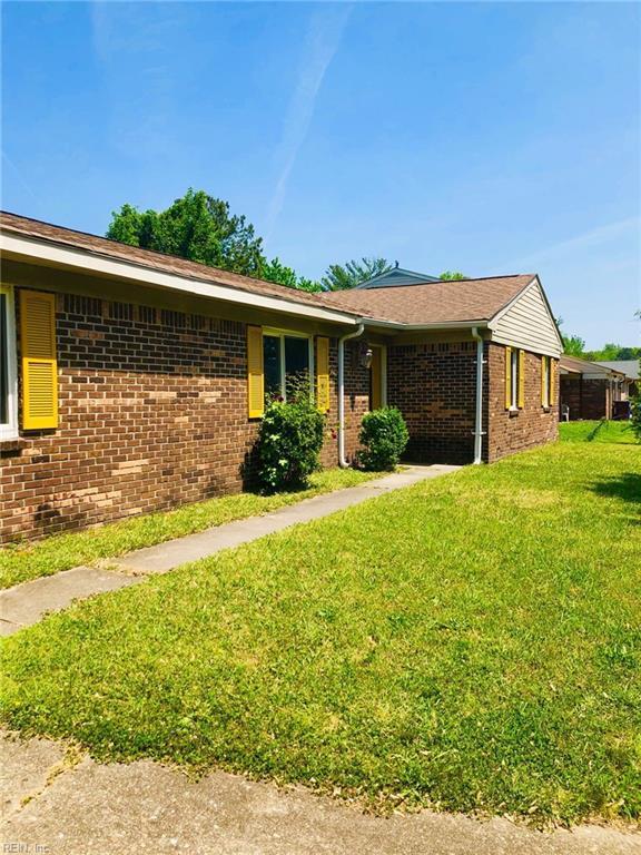 3137 Kenelm Dr, Chesapeake, VA 23323 (MLS #10255915) :: Chantel Ray Real Estate