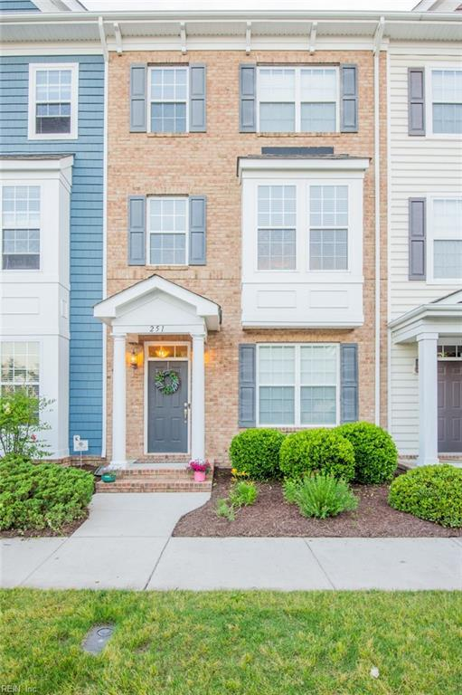 251 Tigerlilly Dr, Portsmouth, VA 23701 (MLS #10259399) :: Chantel Ray Real Estate