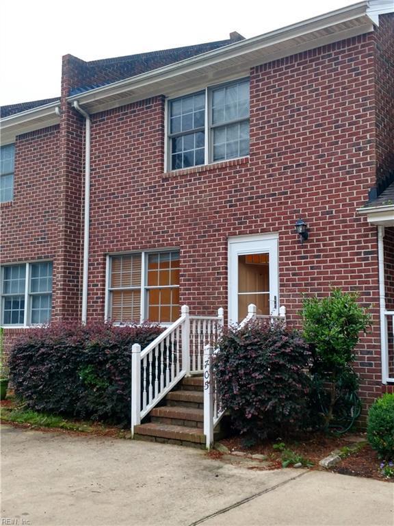 705 Basnight Ct, Chesapeake, VA 23322 (MLS #10259912) :: Chantel Ray Real Estate