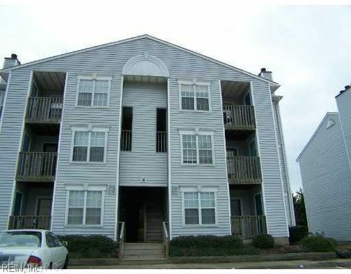 1839 Chantilly Ct #402, Virginia Beach, VA 23451 (#10260475) :: Berkshire Hathaway HomeServices Towne Realty