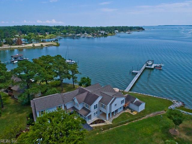425 Crockett Rd, York County, VA 23696 (#10264942) :: Berkshire Hathaway HomeServices Towne Realty