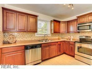 3589 Norland Cir, Norfolk, VA 23513 (#10264978) :: AMW Real Estate