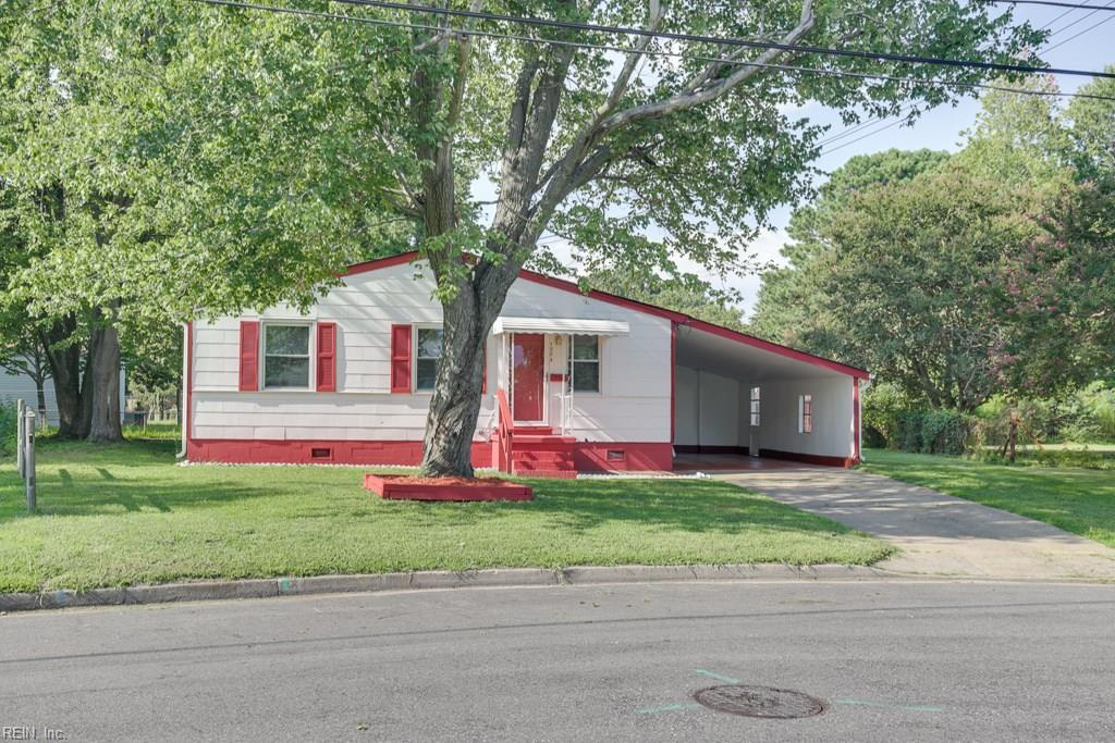 1004 Russell Ct - Photo 1