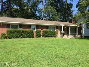 451 Dauphin Ln, Virginia Beach, VA 23452 (#10266228) :: The Kris Weaver Real Estate Team