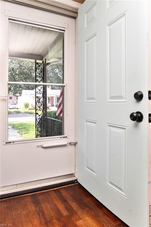 3722 Nottaway St, Norfolk, VA 23513 (#10266396) :: The Kris Weaver Real Estate Team