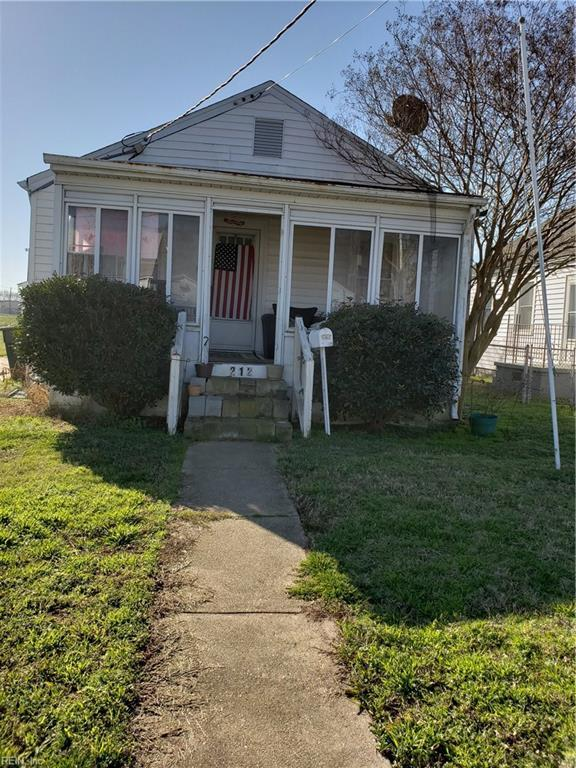 212 Sewell Ave, Hampton, VA 23663 (#10266975) :: The Kris Weaver Real Estate Team