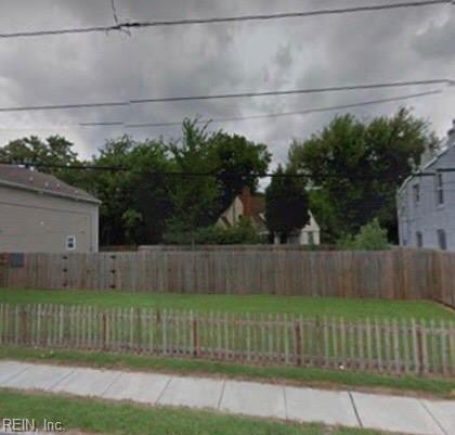 1449 Chapel St, Norfolk, VA 23509 (MLS #10267865) :: Chantel Ray Real Estate
