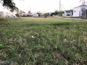 1040 W Ocean View Ave, Norfolk, VA 23503 (MLS #10268052) :: Chantel Ray Real Estate