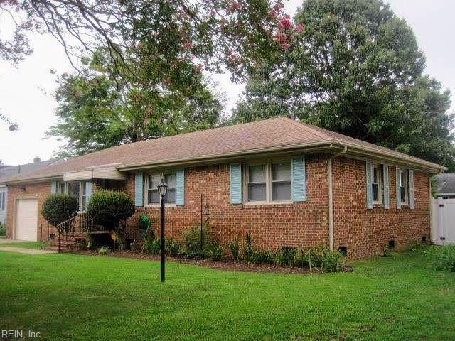 8578 Wayland St, Norfolk, VA 23503 (MLS #10274770) :: Chantel Ray Real Estate
