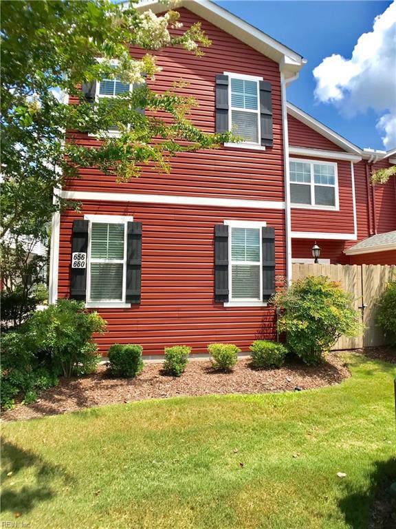 656 Lacy Oak Dr, Chesapeake, VA 23320 (#10275220) :: Kristie Weaver, REALTOR