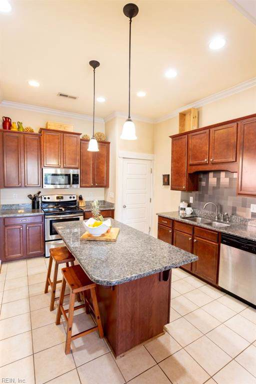 1278 Little Bay Ave B, Norfolk, VA 23503 (#10275835) :: Berkshire Hathaway Home Services