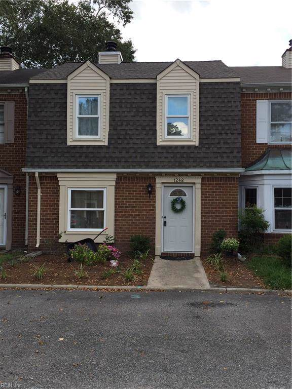 1248 Cedar Mill Sq, Chesapeake, VA 23320 (#10278478) :: Berkshire Hathaway HomeServices Towne Realty