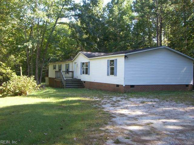 6477 Hickory Knoll Rd, Gloucester County, VA 23061 (MLS #10283847) :: Chantel Ray Real Estate