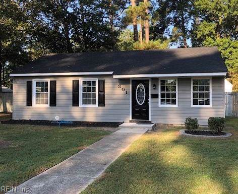 301 Pine Grove Ave, Hampton, VA 23669 (#10284564) :: Upscale Avenues Realty Group