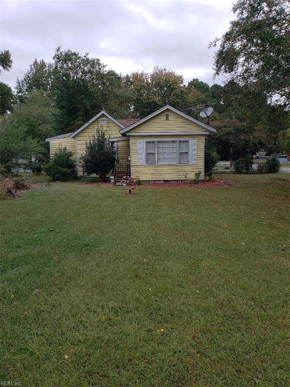 8629 Guinea Rd, Gloucester County, VA 23072 (MLS #10285569) :: Chantel Ray Real Estate