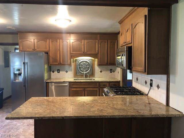 2512 Knox Ct, Chesapeake, VA 23321 (MLS #10287832) :: Chantel Ray Real Estate