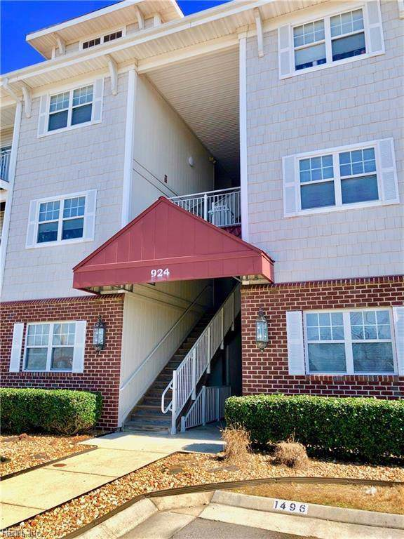 924 Southmoor Dr #204, Virginia Beach, VA 23455 (#10296208) :: Berkshire Hathaway HomeServices Towne Realty