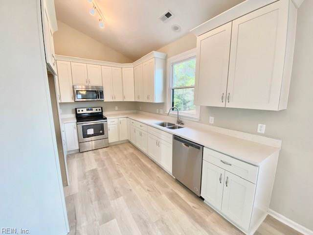 2620 Elson Green Ave, Virginia Beach, VA 23456 (MLS #10296488) :: Chantel Ray Real Estate