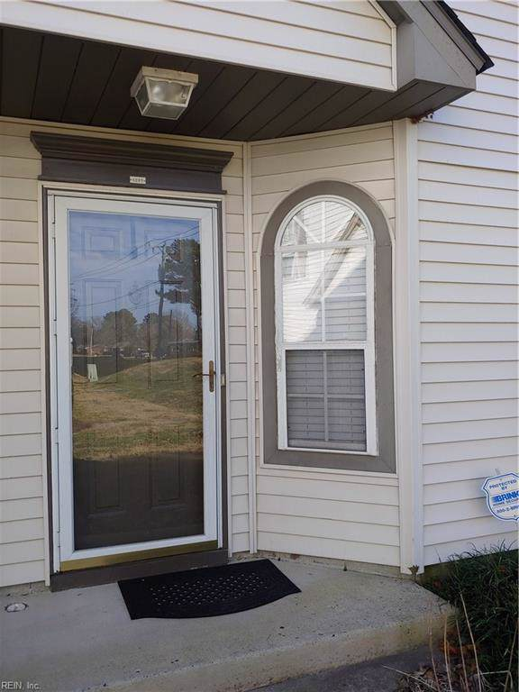 4889 Shallowford Cir, Virginia Beach, VA 23462 (MLS #10297177) :: Chantel Ray Real Estate