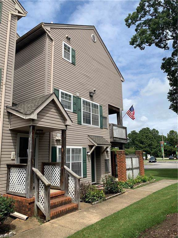 12794 Daybreak Cir, Newport News, VA 23602 (#10297224) :: Berkshire Hathaway HomeServices Towne Realty