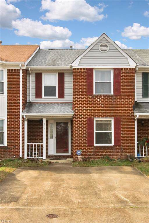 714 Nottaway Dr, Chesapeake, VA 23320 (MLS #10298361) :: Chantel Ray Real Estate