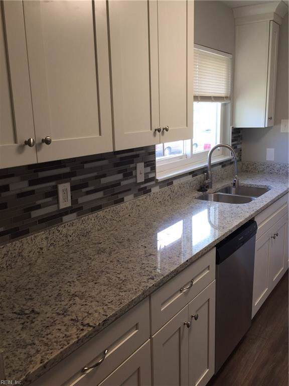 1405 Gabriel Dr, Norfolk, VA 23502 (#10299011) :: Berkshire Hathaway HomeServices Towne Realty