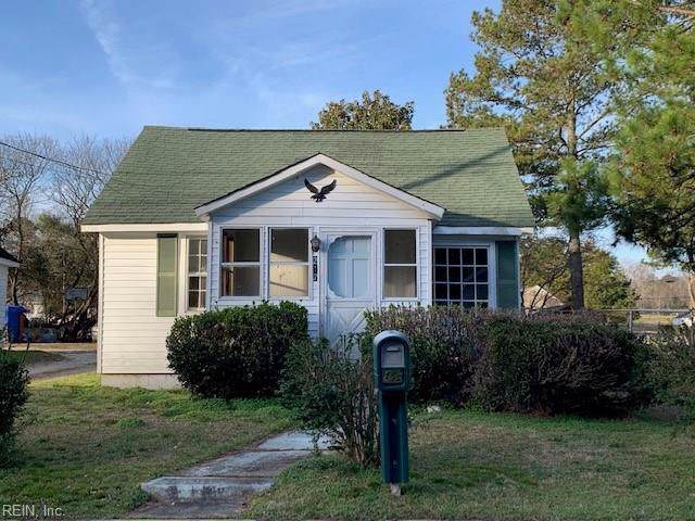 217 Middle St, Isle of Wight County, VA 23430 (#10299195) :: Abbitt Realty Co.