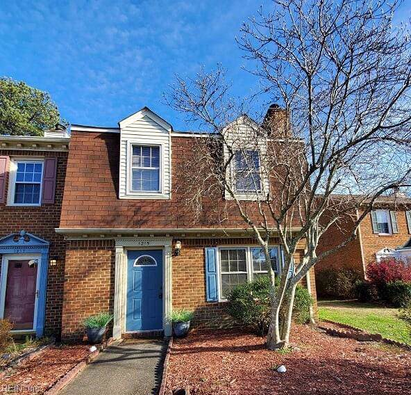 1215 Mill Stream Way, Chesapeake, VA 23320 (#10299205) :: Kristie Weaver, REALTOR