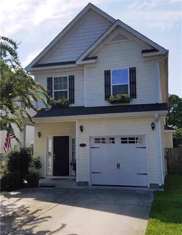113 S Palm Ave, Virginia Beach, VA 23452 (MLS #10299531) :: Chantel Ray Real Estate