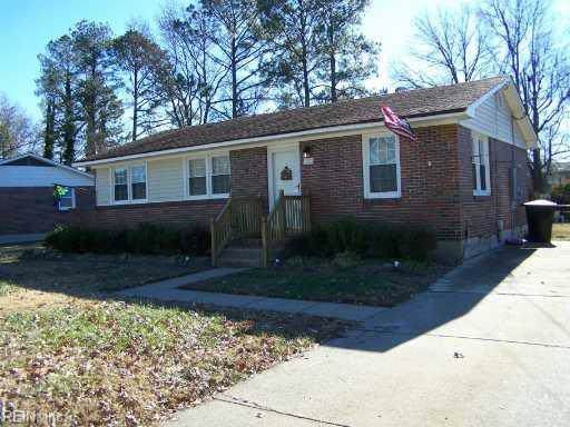 603 Brunswick Rd, Portsmouth, VA 23701 (MLS #10300627) :: Chantel Ray Real Estate