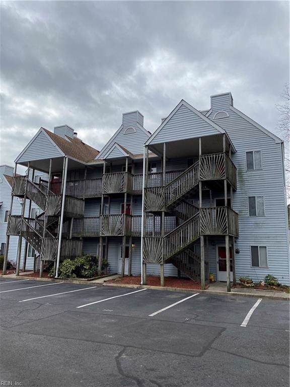 722 Lesner Ave #106, Norfolk, VA 23518 (#10300822) :: RE/MAX Central Realty