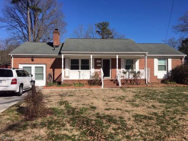 10 Cornwallis Pl, Newport News, VA 23608 (MLS #10301127) :: Chantel Ray Real Estate