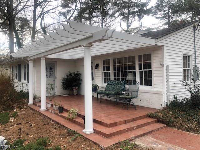 1525 Wolfsnare Rd, Virginia Beach, VA 23451 (MLS #10301565) :: Chantel Ray Real Estate