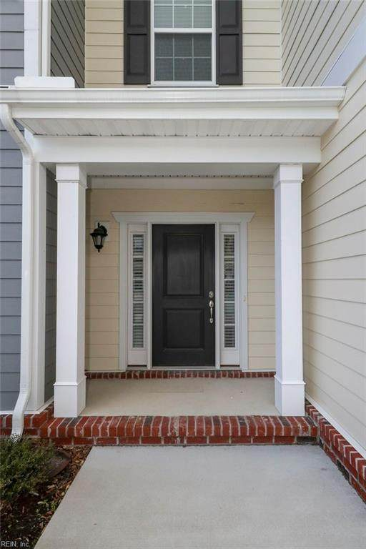 5246 Lombard St, Chesapeake, VA 23321 (MLS #10303400) :: Chantel Ray Real Estate