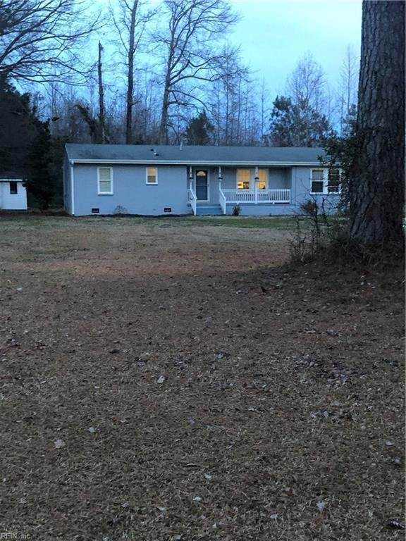 1901 Meadow Country Rd, Suffolk, VA 23434 (MLS #10304540) :: Chantel Ray Real Estate