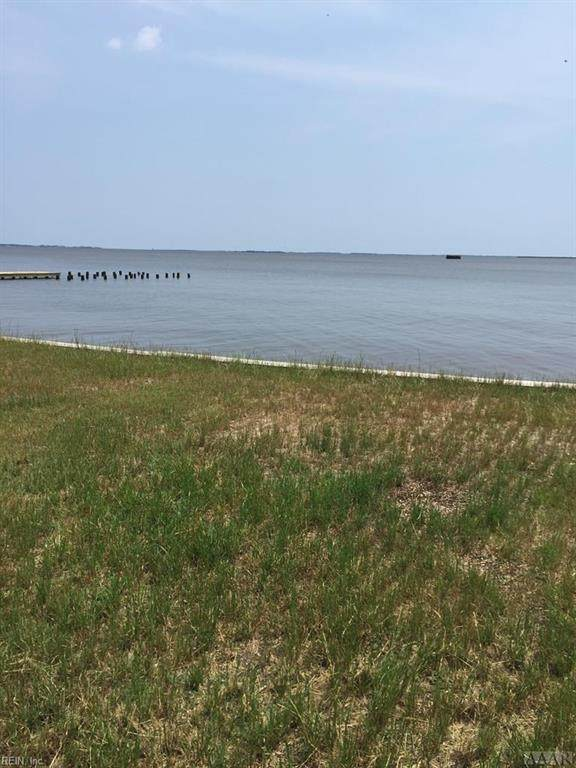 118 E Canvasback Dr, Currituck County, NC 27929 (MLS #10304829) :: Chantel Ray Real Estate