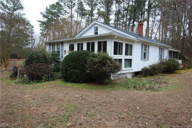 1128 Horn Harbor Ave, Mathews County, VA 23125 (#10305489) :: Kristie Weaver, REALTOR