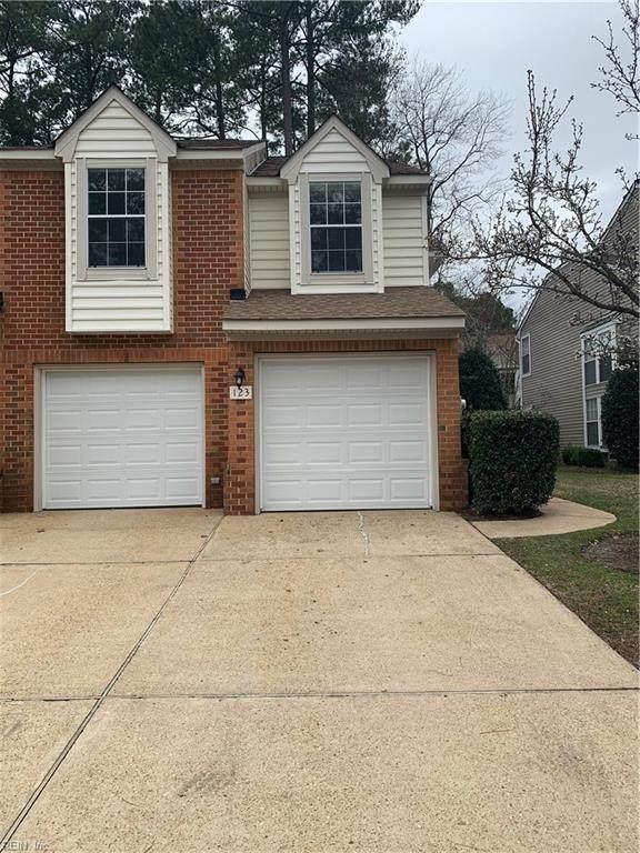 123 Spoon Ct, York County, VA 23693 (MLS #10305548) :: Chantel Ray Real Estate