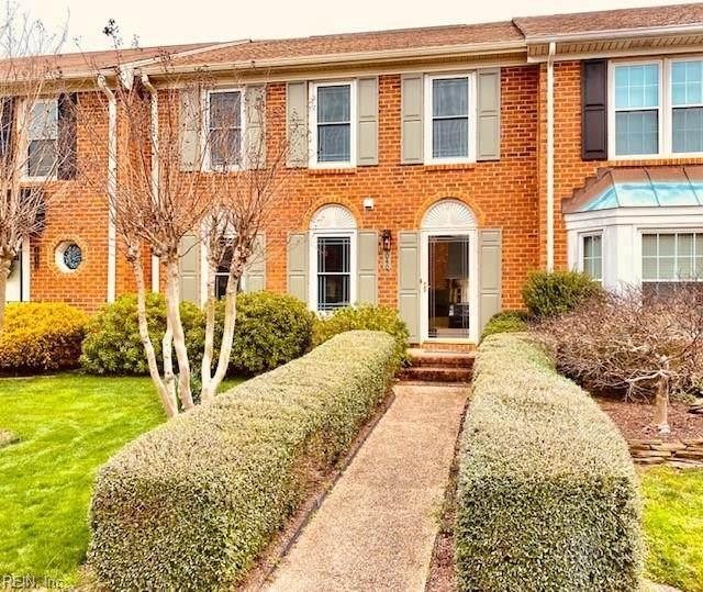 1040 Tottenham Ln, Virginia Beach, VA 23454 (MLS #10308848) :: Chantel Ray Real Estate