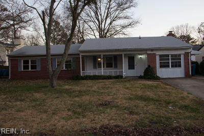 3809 Brentwood Cres, Virginia Beach, VA 23452 (MLS #10309308) :: Chantel Ray Real Estate