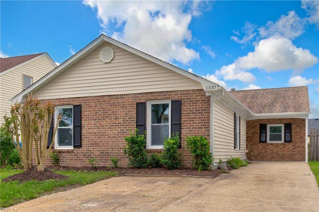 1337 Sharbot Dr - Photo 1