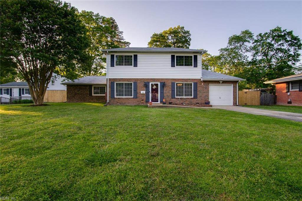 203 Eastwood Dr - Photo 1