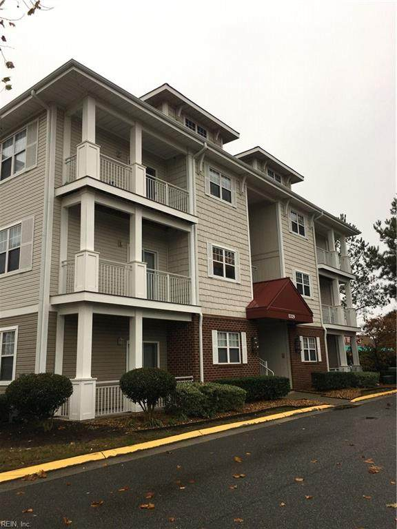 5329 Warminster Dr #302, Virginia Beach, VA 23455 (MLS #10319552) :: Chantel Ray Real Estate