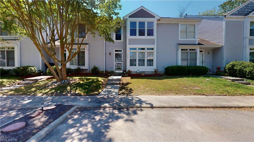 204 Clydesdale Dr - Photo 1