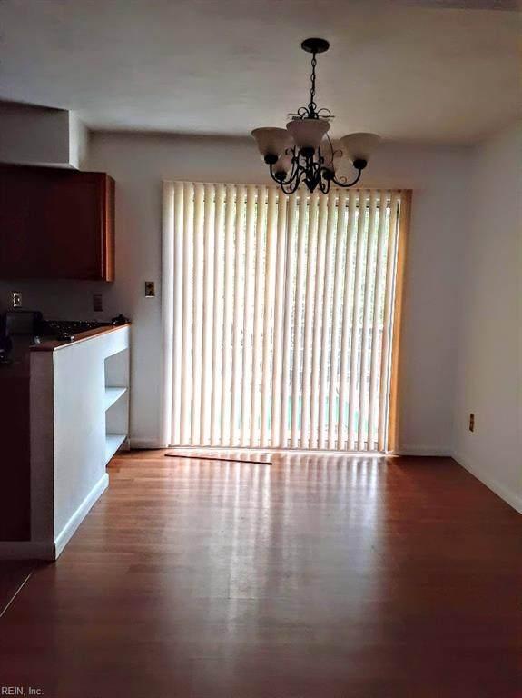 5 Sunbriar Way, Hampton, VA 23666 (#10321255) :: Kristie Weaver, REALTOR