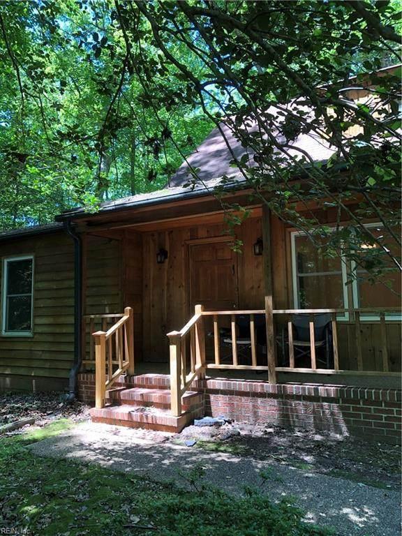 122 Wilderness Ln, James City County, VA 23188 (#10324669) :: The Kris Weaver Real Estate Team