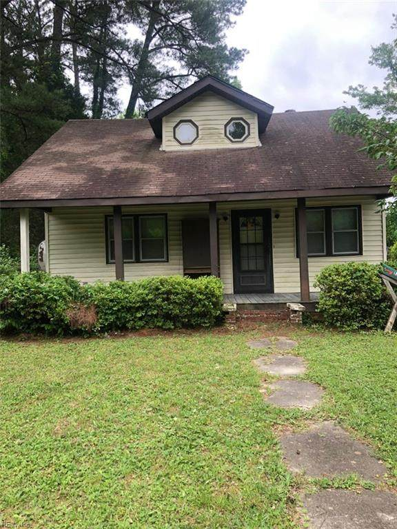 1331 Penniman Rd, York County, VA 23185 (#10324950) :: Kristie Weaver, REALTOR