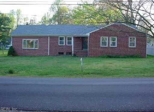 224 N Pinecrest Rd, Sussex County, VA 23888 (#10326894) :: Berkshire Hathaway HomeServices Towne Realty