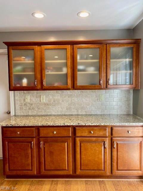 2197 Rock Lake Loop, Virginia Beach, VA 23456 (#10331707) :: Berkshire Hathaway HomeServices Towne Realty