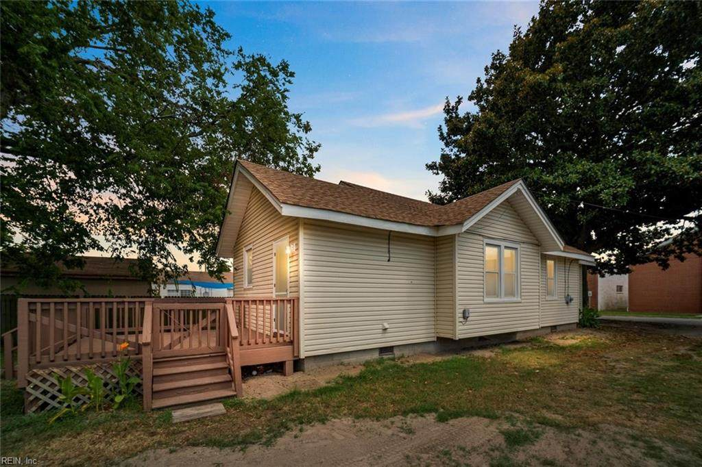 1015 Crowell Ave - Photo 1